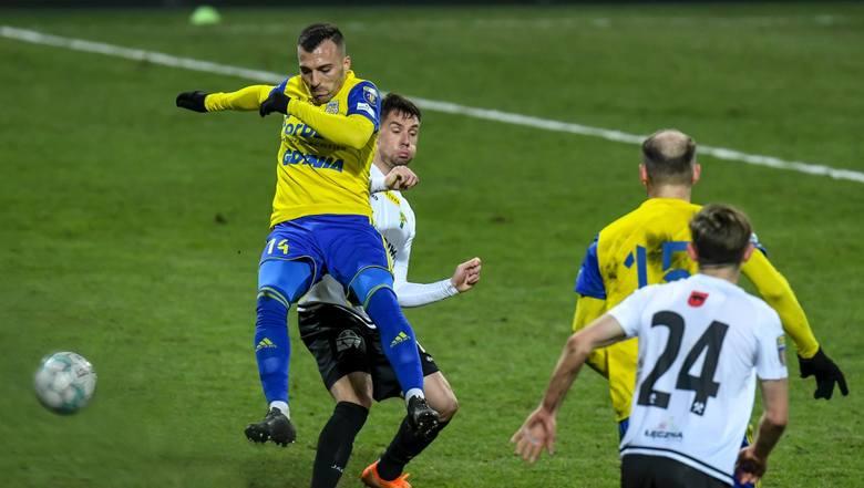 Arka Gdynia ma duże szanse zameldowania się w półfinale Pucharu Polski. Musi jednak pokonać na wyjeździe Puszczę Niepołomice