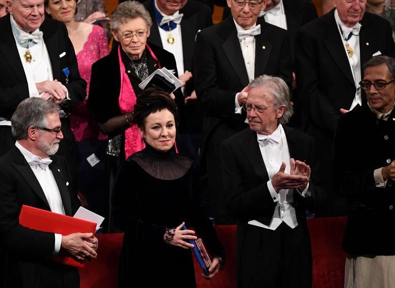 Olga Tokarczuk odebrała Nagrodę Nobla. Gala i bankiet w Sztokholmie [ZDJĘCIA] [WIDEO] List gratulacyjny od prezydenta Andrzeja Dudy
