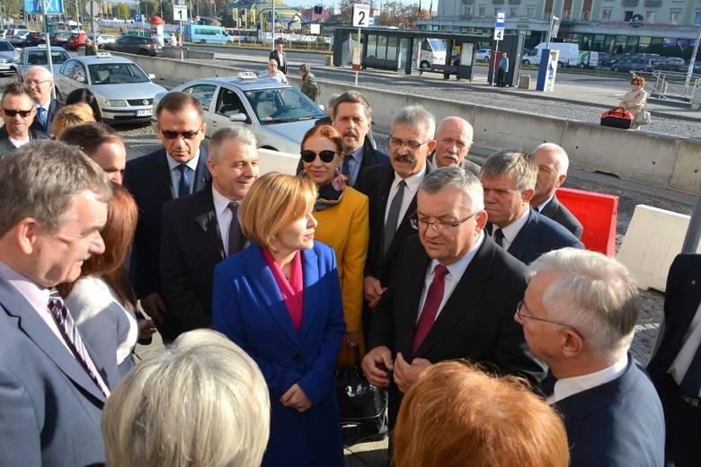 Minister infrastruktury w Kielcach. Rozmowy o dworcu kolejowym i parkingu nad torami