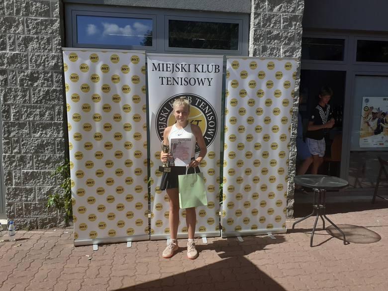 Siostra Huberta Hurkacza w parze z Oliwią Jędrzejak wygrała turniej na MKT w Łodzi