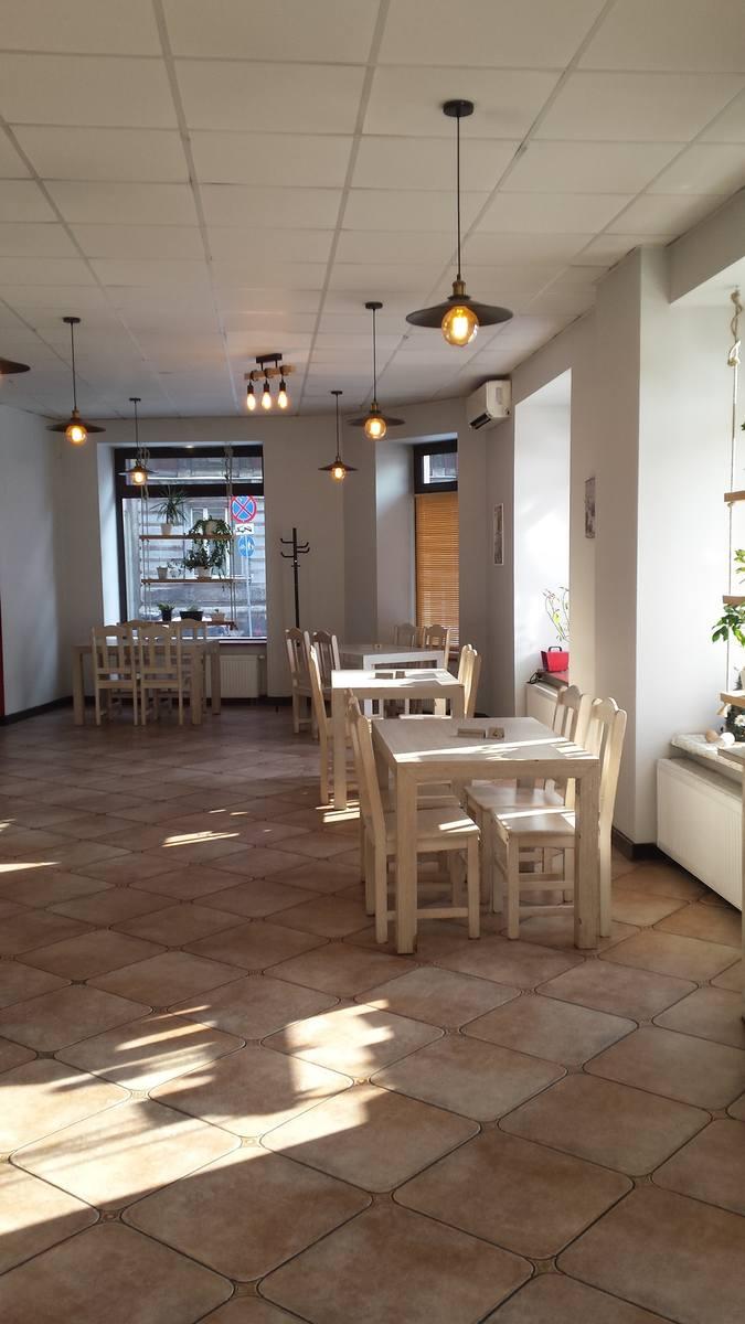 Te miejsca w woj. śląskim są lub będą niedługo czynne dla gości i klientów mimo narodowej kwarantanny. [b]Restauracja u Romana, Katowice[b]Restauracja
