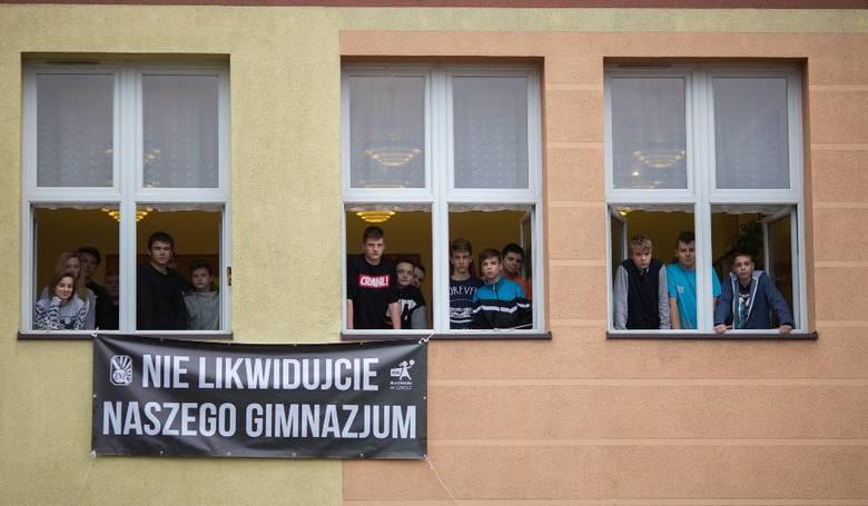 Słupski PiS chwali zmiany w edukacji przygotowane przez miasto