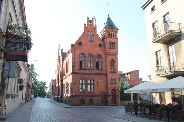 Kamień węgielny na budowie chełmżyńskiego ratusza został wmurowany w połowie grudnia 1898 roku.