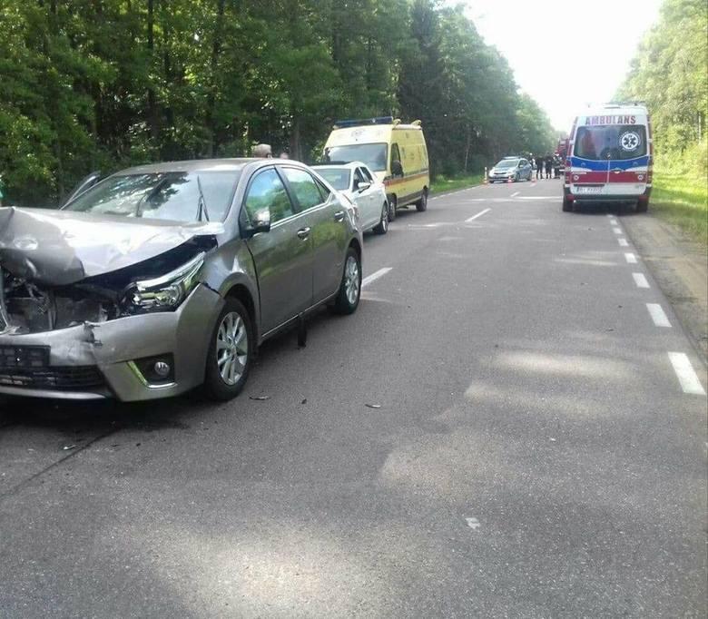 W niedzielę około godz. 15.30  na drodze krajowej nr 65 na wysokości miejscowości Chraboły doszło do wypadku