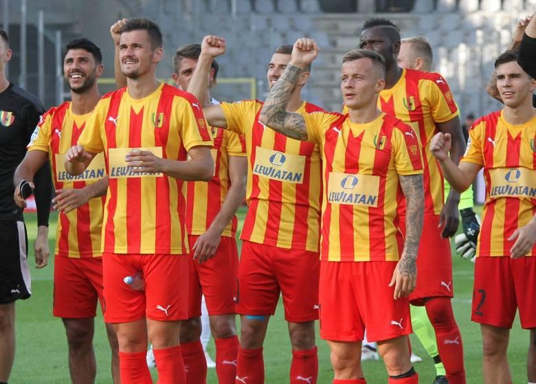 Korona rozgrywa 13 sezon w ekstraklasie. Od 2005 roku, a więc od historycznego awansu, przewinęło się przez ten klub kilkudziesięciu typowych napastników.
