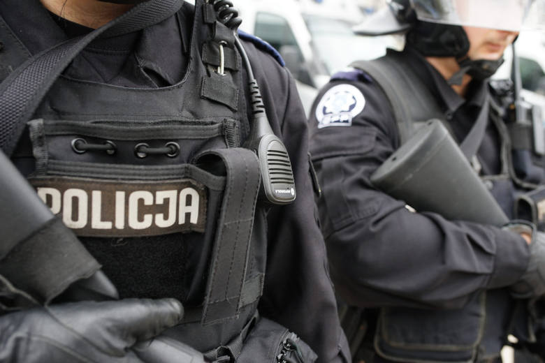 Komendanci miejscy, powiatowi i komendant garnizonu łódzkiego policji złożyli oświadczenia majątkowe za 2020 r. Prócz wynagrodzeń podstawowych otrzymują