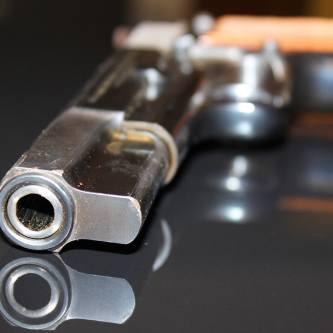 2.<br /> Broń Ali Agcy<br /> Jedni nazywają go przeklętym eksponatem, inni trudną pamiątką. To z niego Ali Agca 13 maja 1981 roku strzelał do Jana Pawła II. Browning HP CAL kaliber 9 mm, wzór 1935, zasilany trzynastonabojowym magazynkiem, wyprodukowany w 1976 r. przez belgijskie zakłady...