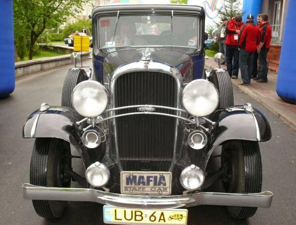 Zabytkowe pojazdy w Stalowej WoliOldsmobil z 1932 roku z AK Lubelskiego - zwyciezca w swojej kategorii.
