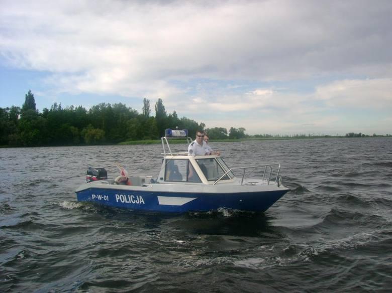 Funkcjonariusze zanim wyruszyli w patrol, spotkali się na konferencji poruszającej temat bezpieczeństwa na wodzie.