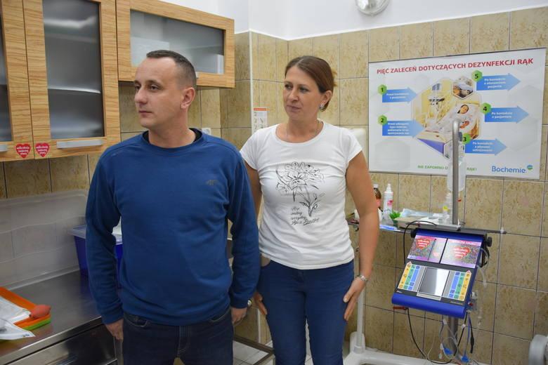 Agnieszka i Przemysław Majkowie - rodzice siedmioletniej Natalii, która leczy się w szpitalu w Zielonej Górze