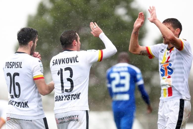 Mille Savkovic, to serbski pomocnik, który w inaugurującym wiosnę spotkaniu w Legnicy nabawił się kontuzji kostki, która wyłączy go z gry do końca sezonu.
