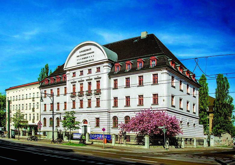 W bawarskim Bergu - stąd nazwa afery - mieściła się jedna z dwóch baz odpowiedzialnych za szeroko rozumianą łączność ośrodków emigracyjnych z krajow