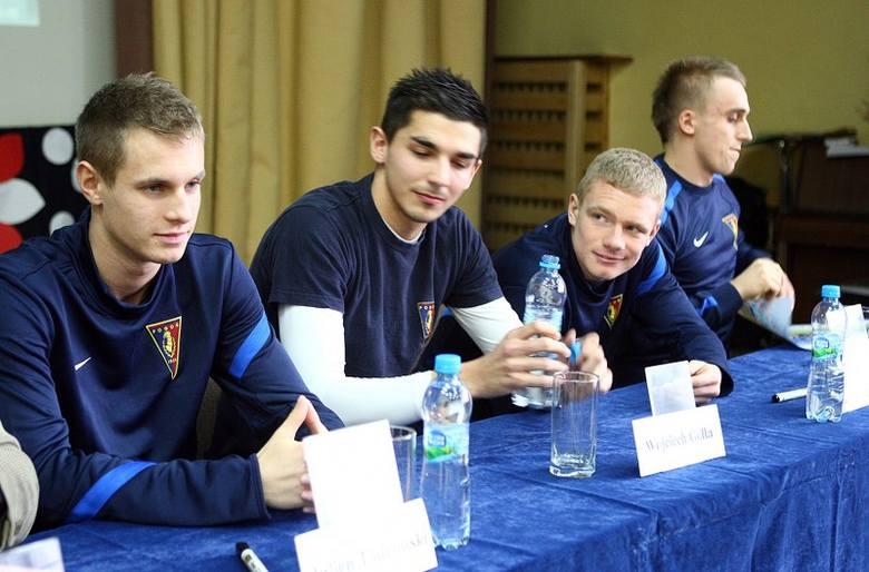 Piłkarze Pogoni odwiedzili uczniów Centrum Kształcenia Sportowego