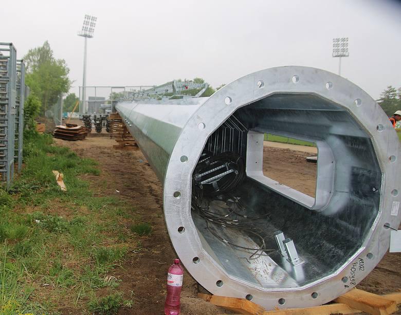 Fortuna 1 Liga. Warta Poznań aktywnie wykorzystuje przerwę w rozgrywkach 1. ligi. Na stadionie Zielonych przy Drodze Dębińskiej zamontowano sztuczne