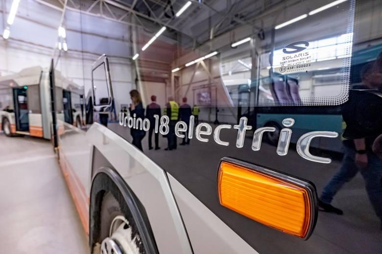 Pod względem liczby autobusów elektrycznych Polska zajmuje piąte miejsce w Europie. Po polskich miastach jeździ już 155 e-busów, a kolejne 250 czeka, by wyruszyć w trasę. Ponad 75 proc. tych zamówień to właśnie pojazdy Solarisa.