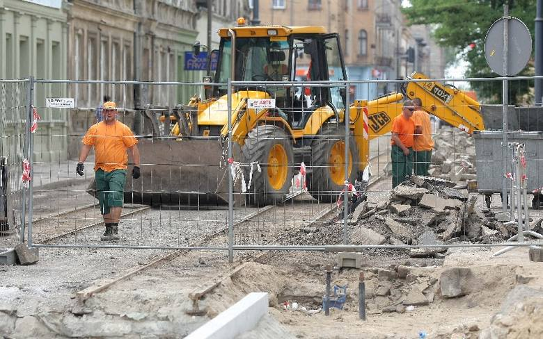 Rozkopany Teofilów: Rusza remont ul. Rojnej. Autobusy pojadą inaczej [zdjęcia]
