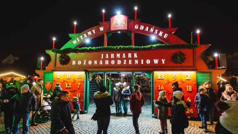 W Gdańsku odbywają się dwa kiermasze świąteczne. Pierwszym jest Jarmark Bożonarodzeniowy, który odbywa się na Targu Węglowym między 23 listopada  a 1