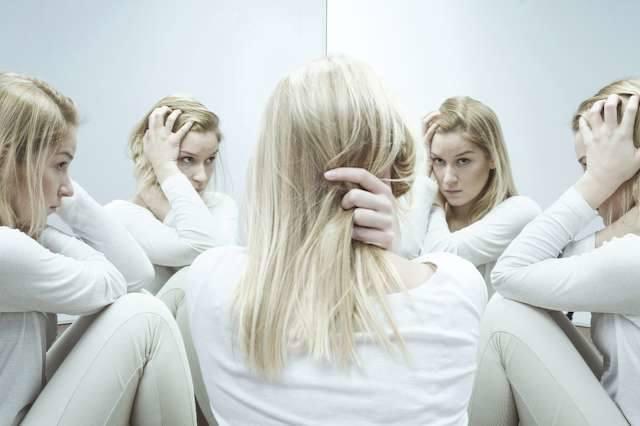 """Czy wszyscy mamy """"syndrom oszusta""""? - wyjaśnia psycholog społeczny Maciej Chabowski"""