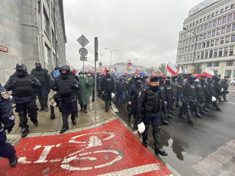 Rolnicy z regionu radomskiego bardzo licznie uczestniczyli w manifestacji w Warszawie przeciwko procedowanej w Parlamencie ustawie o ochronie zwierząt.