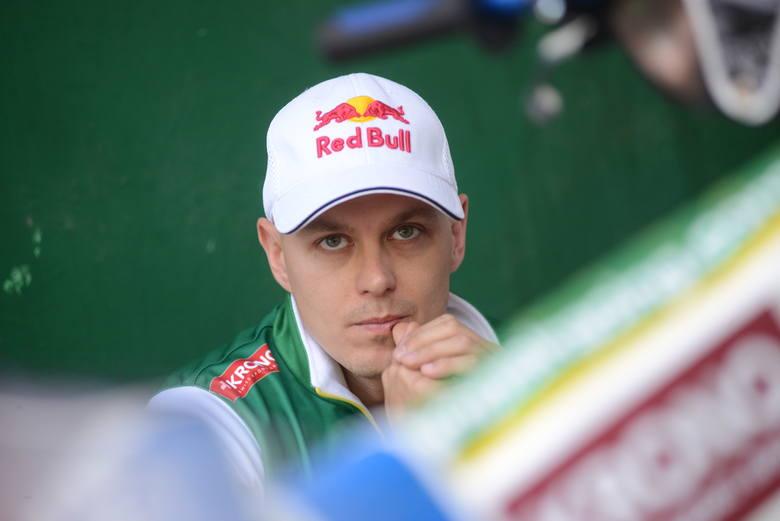 Jarosław Hampel od lat jest wierny marce Red Bull. Oprócz niego producent napojów energetycznych może pochwalić się współpracą z trzema innymi żużlo