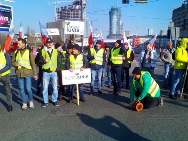 Protest rolników w Warszawie 3 kwietnia na placu Zawiszy
