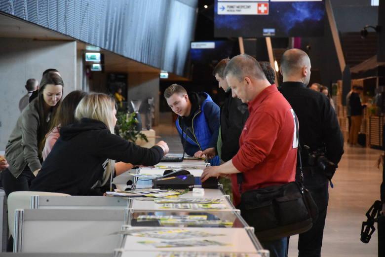 IEM w Katowicach rozpoczęte. Festiwal e-sportu odbywa się bez publiczności.Zobacz kolejne zdjęcia. Przesuwaj zdjęcia w prawo - naciśnij strzałkę lub