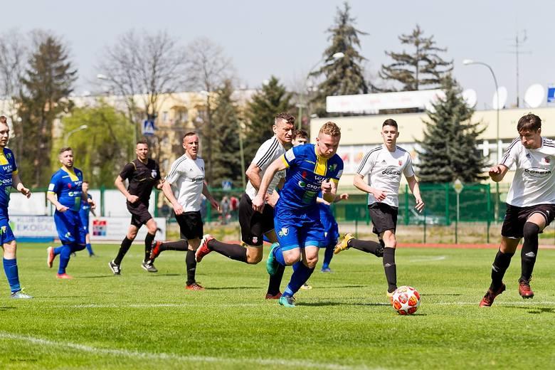 Piłkarze z Sanoka nie mieli problemów z pokonaniem Piasta Tuczempy. Mecz zakończył się wynikiem 3:0