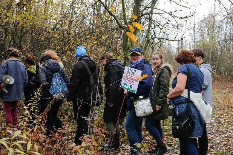 Protest, spacer i happening. Mieszkańcy nie zgadzają się na wizję miasta dla KL Plaszow [ZDJĘCIA]