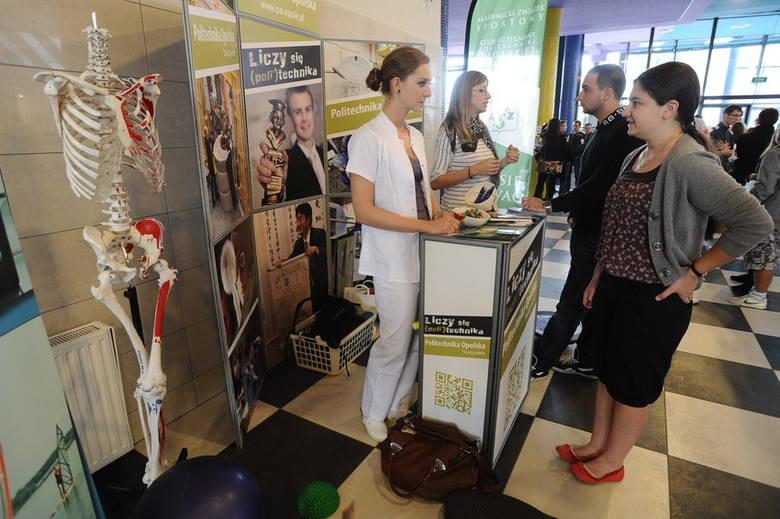 Ponad 5 tys. maturzystów wzięło udział w Salonie Maturzystów zorganizowanym na Politechnice Opolskiej. Uczniowie zdający maturę w 2013 roku mogli dowiedzieć
