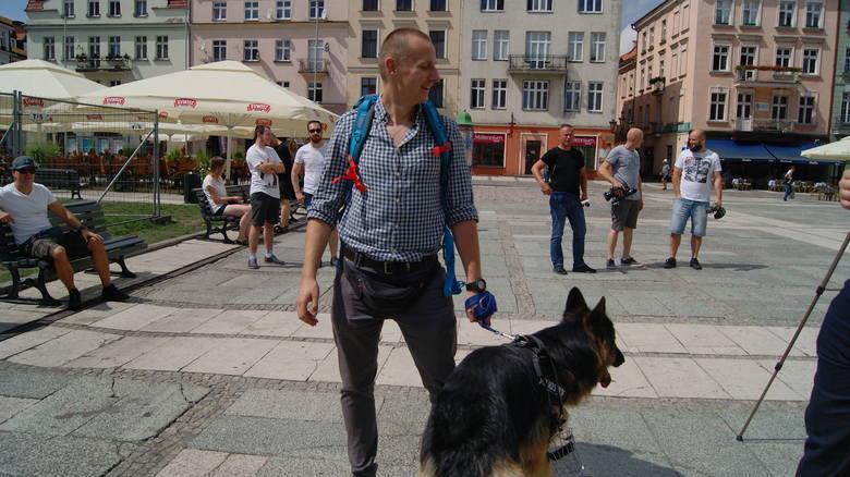 Jacek Międlar: Księża podlegają homopropagandzie. Były ksiądz promował swoją książkę w Kaliszu [ROZMOWA]