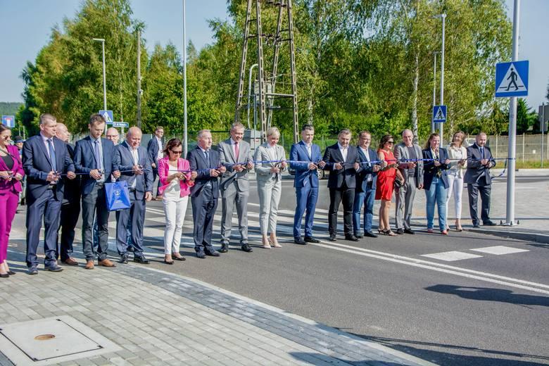 Otwarcie ulicy Nowej Kazimierskiej z przedstawicielami m.in. Rumia Invest Park i Atlas Poland