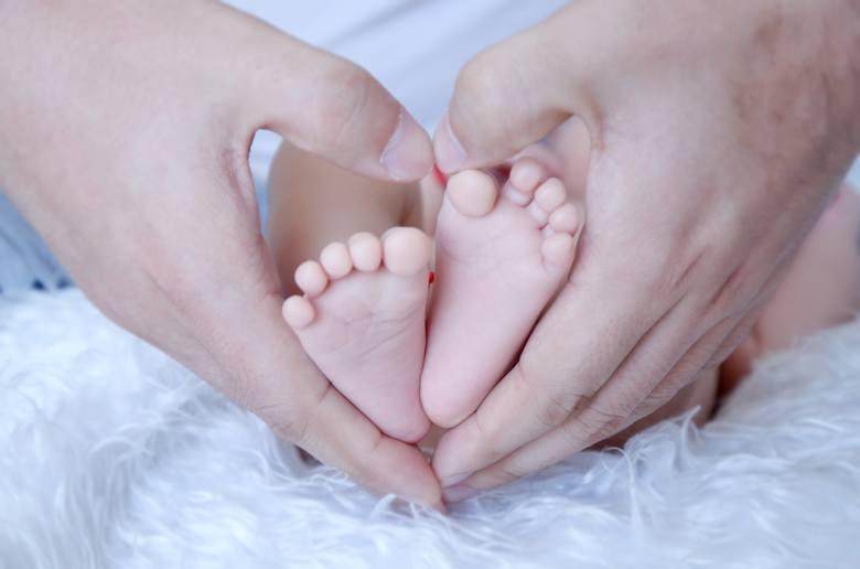 Płatne urlopy dla rodziców. Zasady udzielania urlopu macierzyńskiego,rodzicielskiego i ojcowskiego