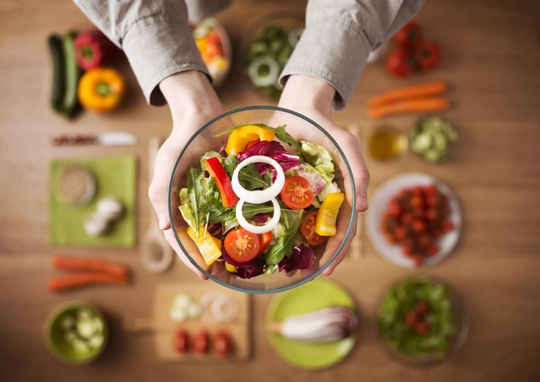 Świeże warzywa i owoce zawierają najwięcej wartości odżywczych.