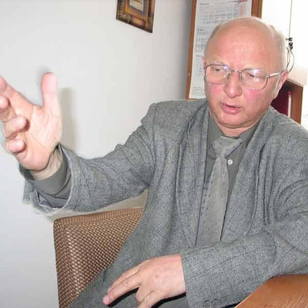 Janusz Kopecki, dyrektor II LO: Ani rodzice ani uczniowie nie złożyli skargi na przebieg egzaminu. Dokładnie zbadam sprawę, bo jest to w interesie m