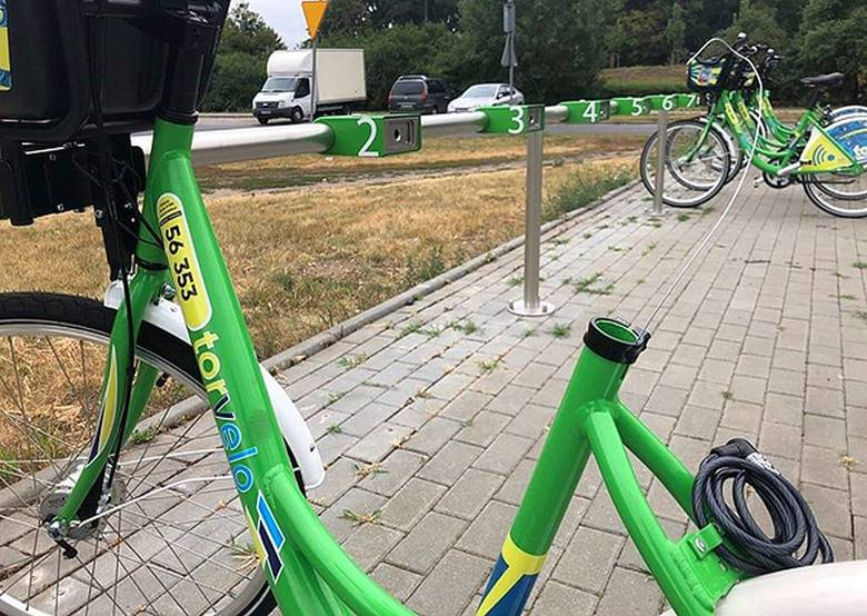 W Toruniu doszło do rekordowej dewastacji rowerów miejskich - podaje ich operator BikeU. Wstyd? Tak! Ale chuligani w mieście potrafią zniszczyć wszystko: