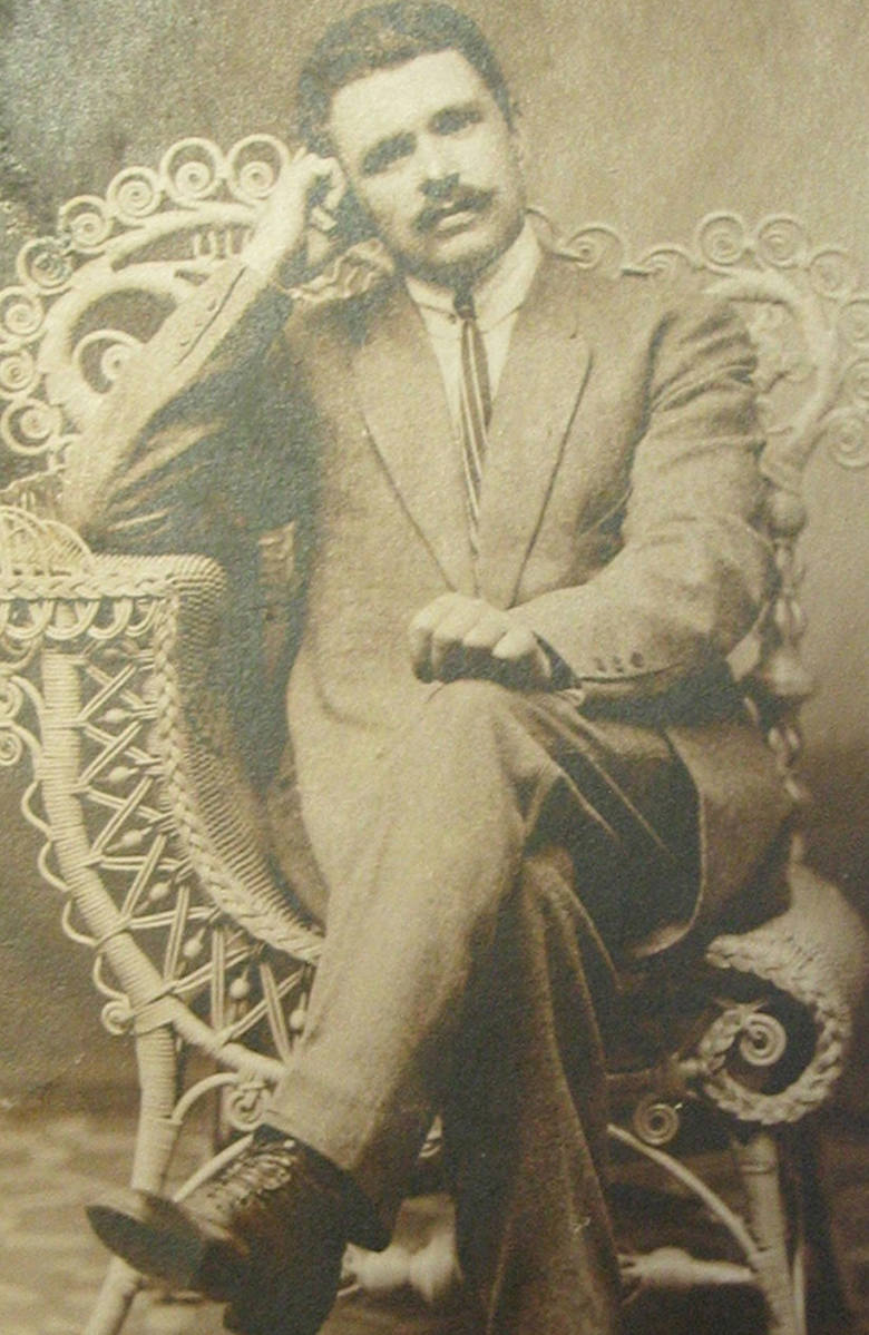 Zdjęcie ojca z pierwszego okresu pobytu w Ameryce z ok. 1914 r. Ojciec był znacznie starszy od mamy