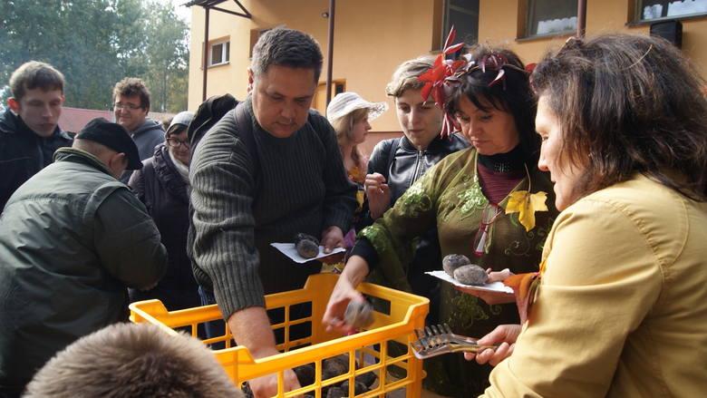 Święto Pieczonego Ziemniaka w Specjalnym Ośrodku Szkolno-Wychowawczym w Skierniewicach [ZDJĘCIA]