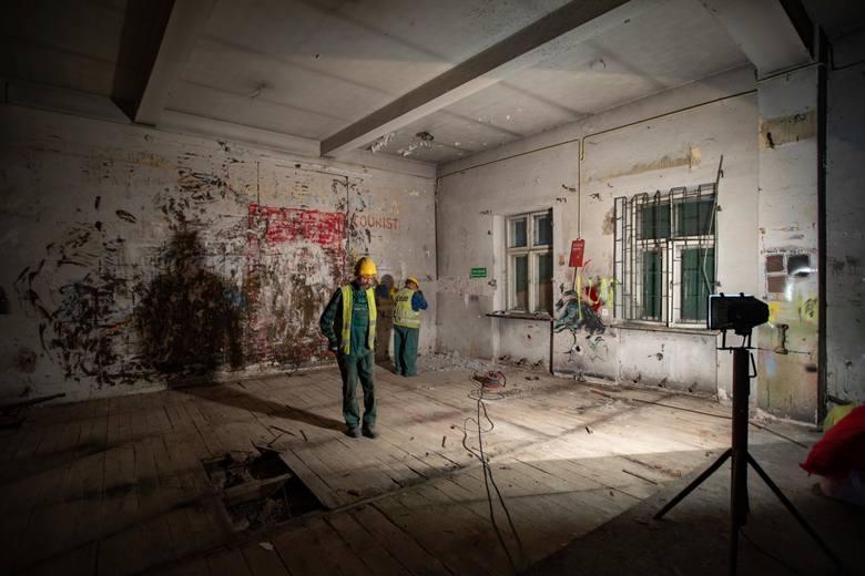 W środę (13 czerwca)  zajrzeliśmy do wnętrza remontowanego właśnie Teatru Kameralnego przy ul. Grodzkiej w Bydgoszczy. Z końcem 2019 roku ma otworzyć