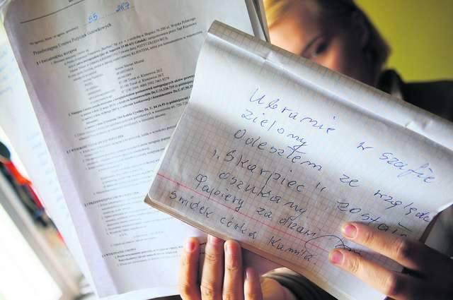 """""""Odszedłem ze względu na """"Skarbiec"""", zostałem oszukany. Papiery za drzwiami. Świadek: córka Kamila"""" - napisał torunianin Antoni Misztal na kartce"""