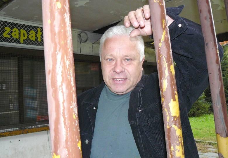 - Wpierw przez gminę musiałem zamknąć bar, a teraz nie chcą mi dać w zamian wypatrzonej przeze mnie nieruchomości - żali się Tadeusz Walkowiak.