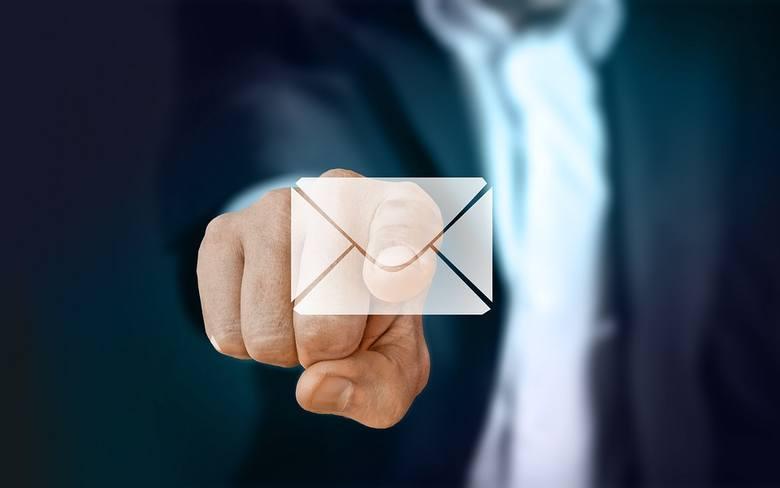 ZUS ostrzega przed oszustami. Uwaga na fałszywe maile!