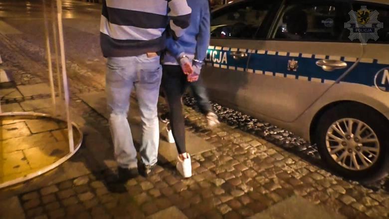 Akcja gdańskiej policji w nocnym klubie. Środki psychoaktywne w drinkach? Zatrzymano 22 osoby
