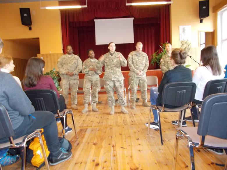 Amerykańscy żołnierze w świebodzińskim liceum