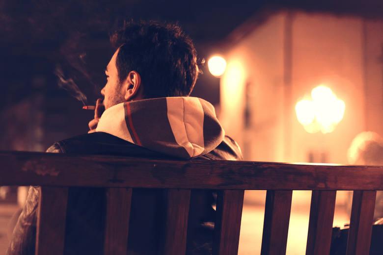 Czy znasz znaczenie zwrotów, których używasz często w rozmowie? Kim jest nocny marek lub filip z konopi? Przedstawiamy listę powiedzeń, które zazwyczaj