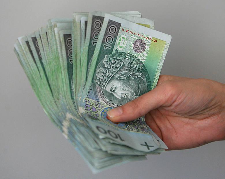 GUS: Kwota bazowa wyższa o 138 złotych
