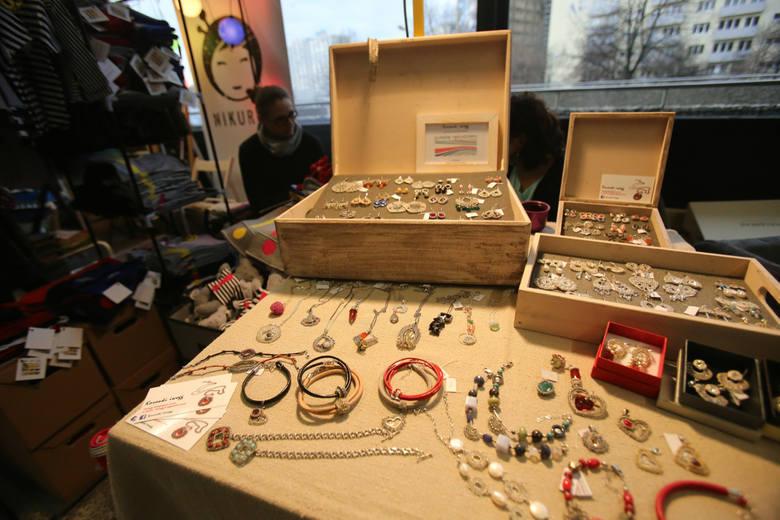 Prezenty na święta: biżuteria