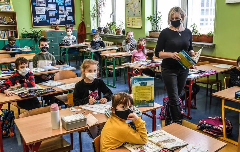 Nauczyciele chętnie zapisywali się na szczepienia