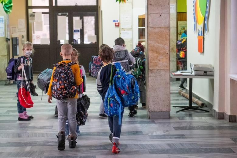 Dzieci podobnie jak nauczyciele stęskniły się za szkołą