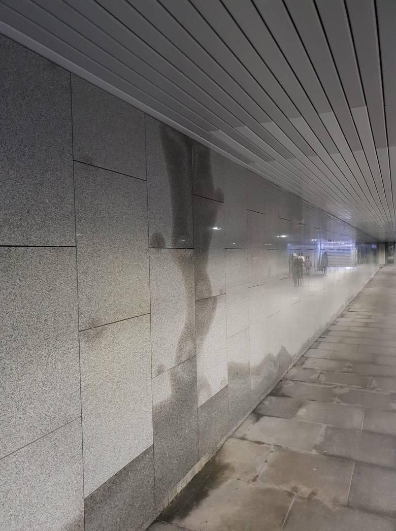 Przeciekające przejście podziemne