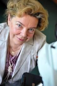 Prof. Małgorzata Polz-Dacewicz: Szczepionki przeciw koronawirusowi nie dostaniemy w aptece